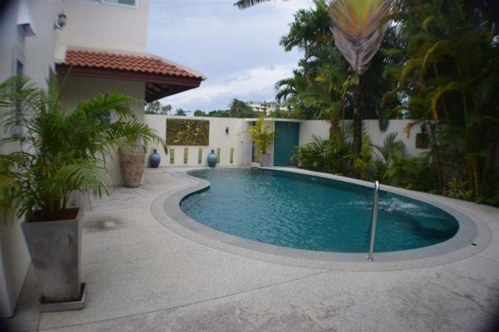 5 Bed/ bath pool villa with massive price reduction