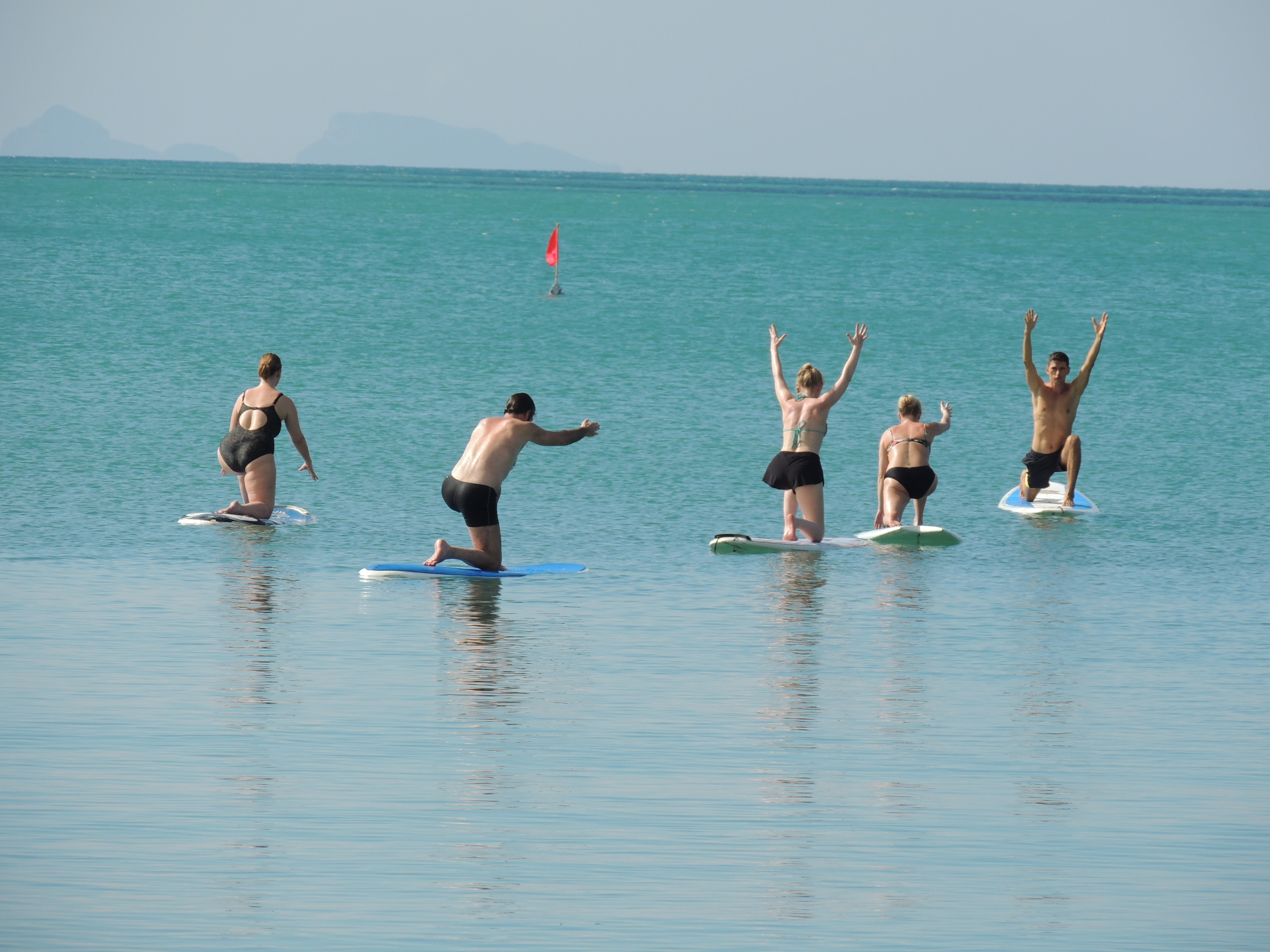 Samui-paddleboard is looking for a teacher of sup yoga