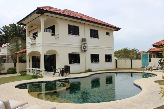 5 Bedroom House For Sale East Pattaya.