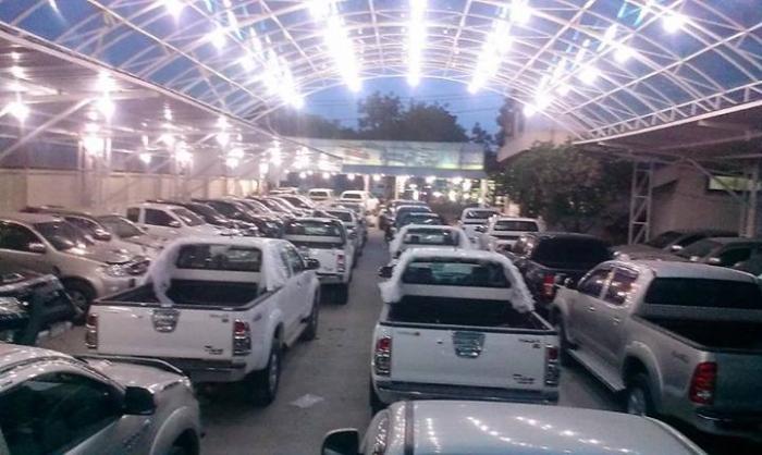 Toyota Hilux Vigo Dealer. Good Price. Number #1 Dealer