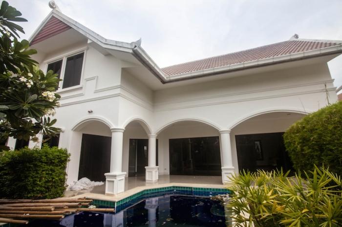 3 Bedroom Pool Villa Ocean Lane Project For Sale