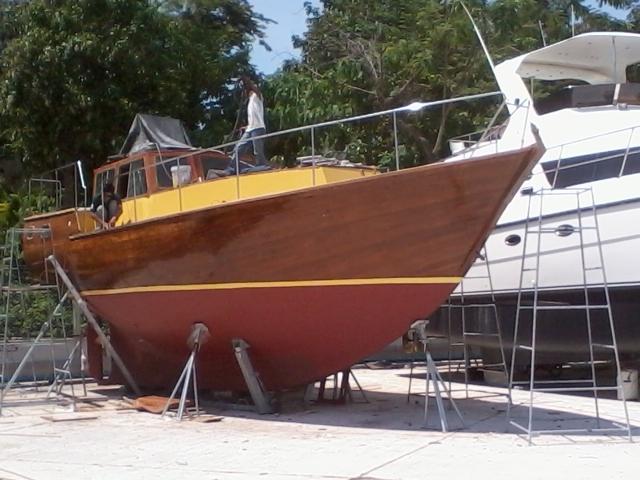 Sail Boat 43' Wood, 7 Berths, Built 1983.