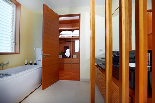 3 Bed , 3 Bath Detached Bungalow For Sale