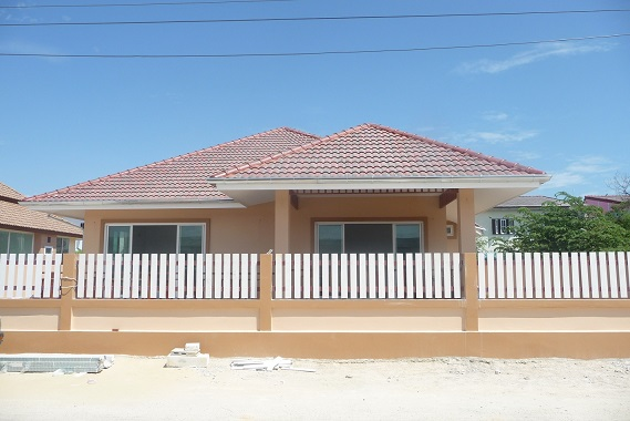 Detached House 3 Bed 3 Bath have swimming pool for Sale