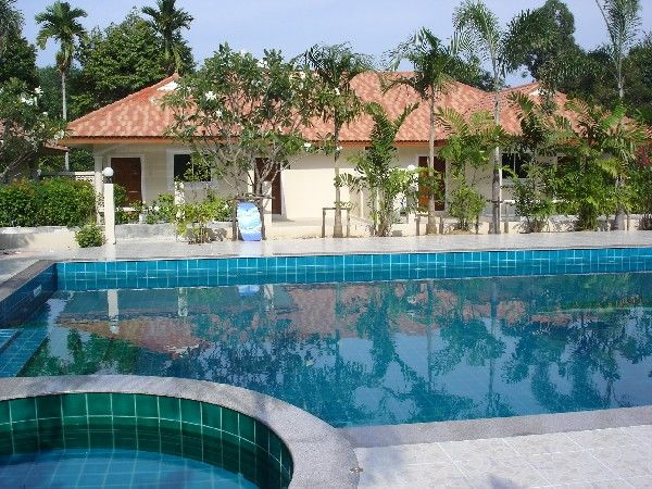 17,000 Baht/Mo. Lovely house with pool on Phuket