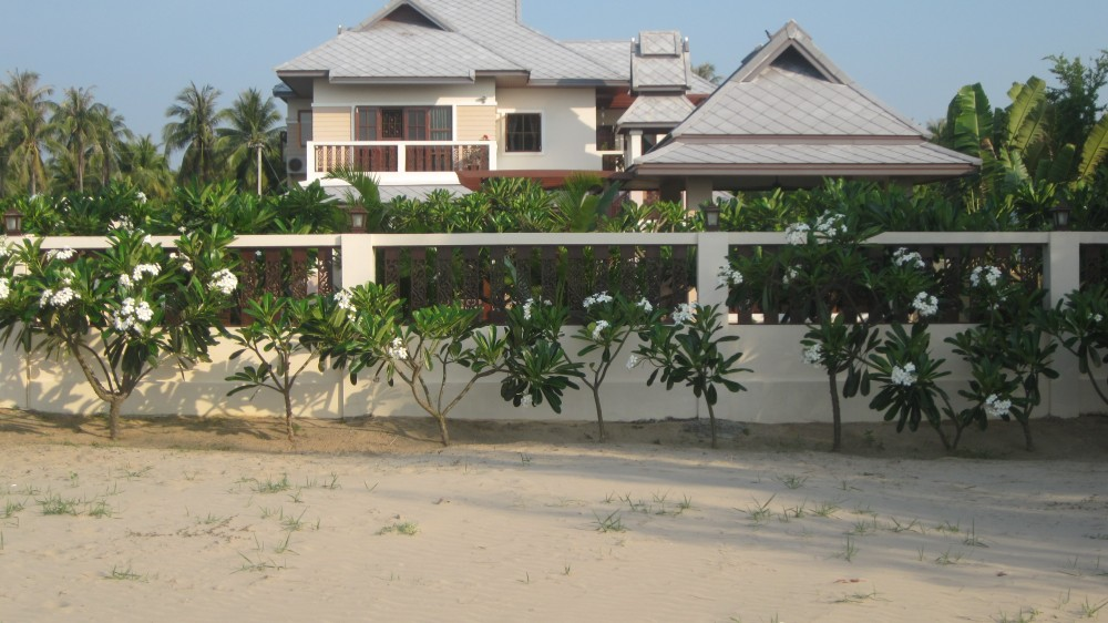 Absolute Beachfront Home Kui Buri, Prachuap Khiri Khan