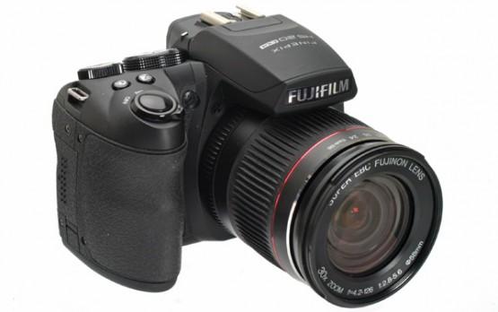 Fujifilm HS20EXR Superzoom digital camera