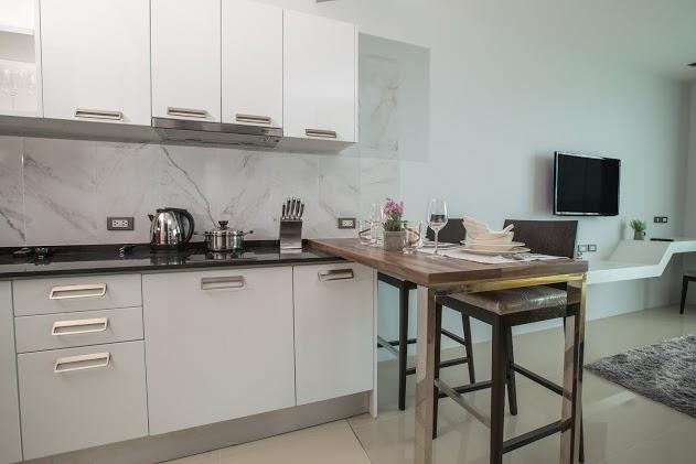 Seaview Condominium For Sale In Patong