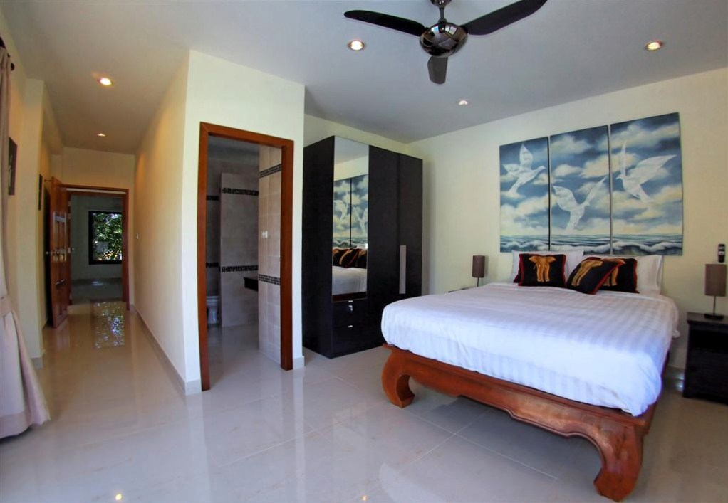 Beautiful & Spacious  Pool Villa for Rent