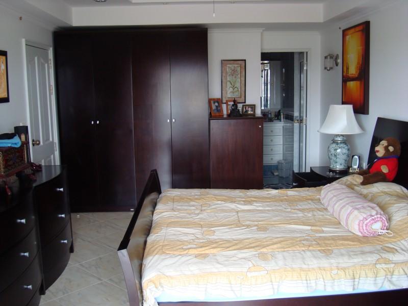 Condo 80sqm,floor8,pool,garden South Pattaya