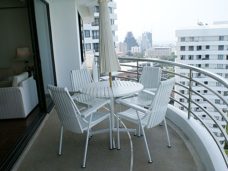 CS1246 Royal Cliff Condo , 3 bed for sale