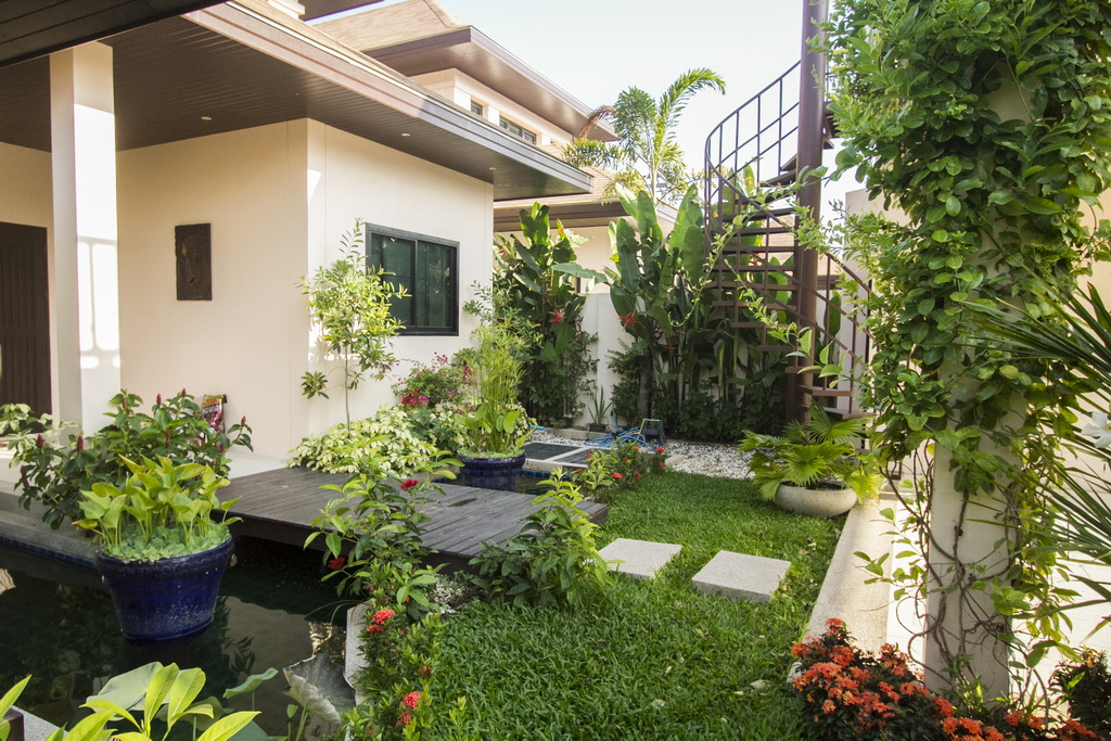 A beautiful 3 bed pool villa for rent in Rawai
