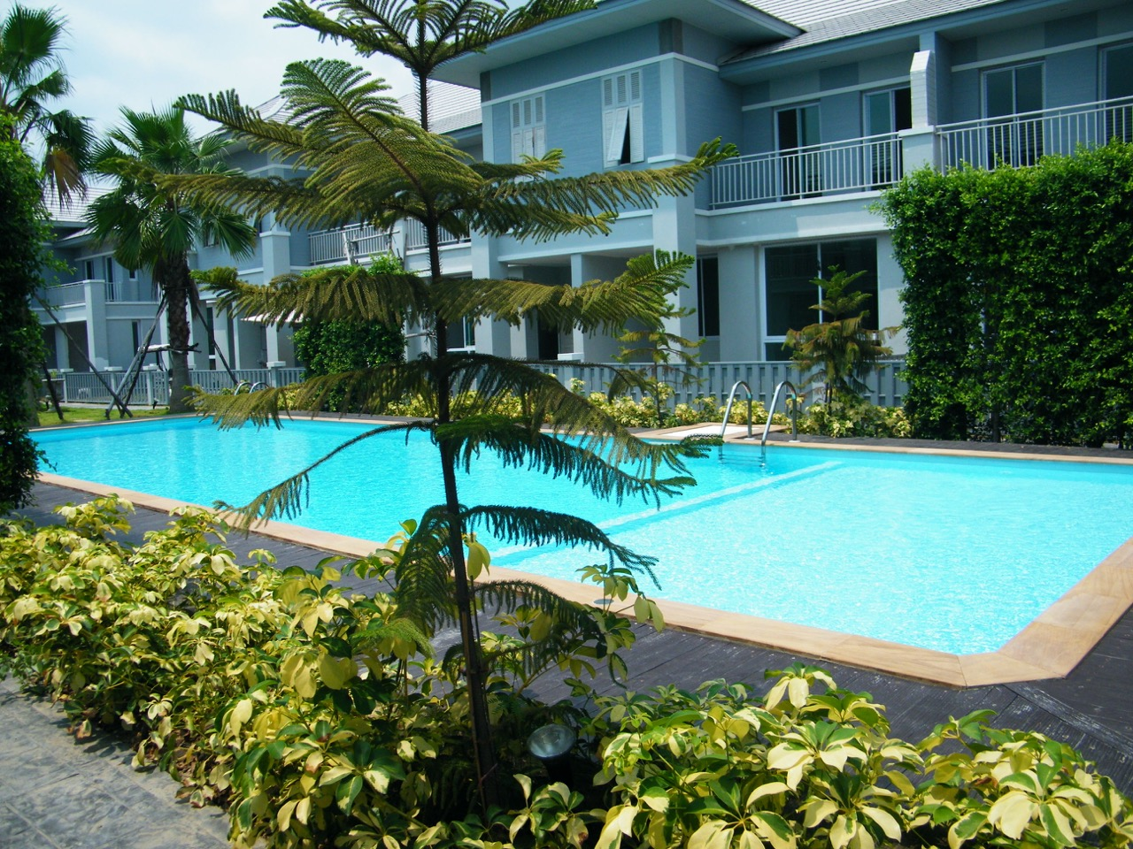 Furnished home and pool in Korat