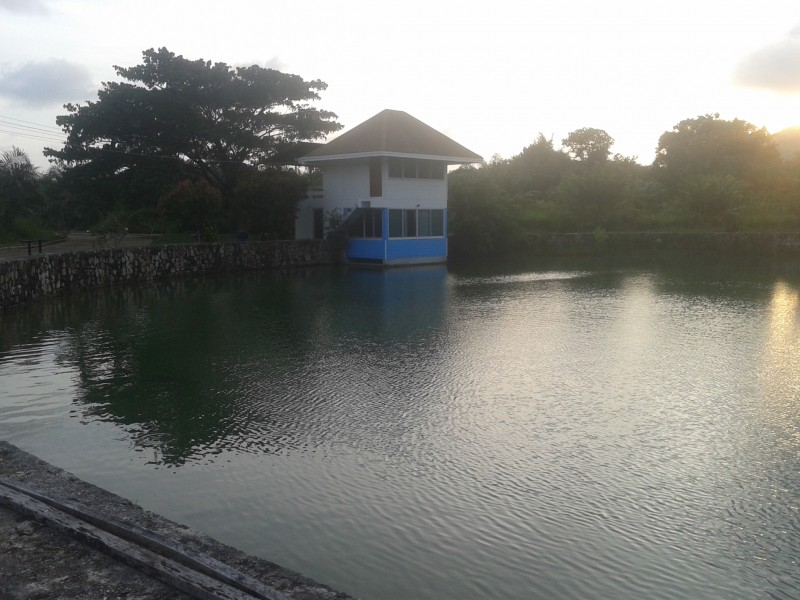 A lovely 2 bed house for rent on a lake