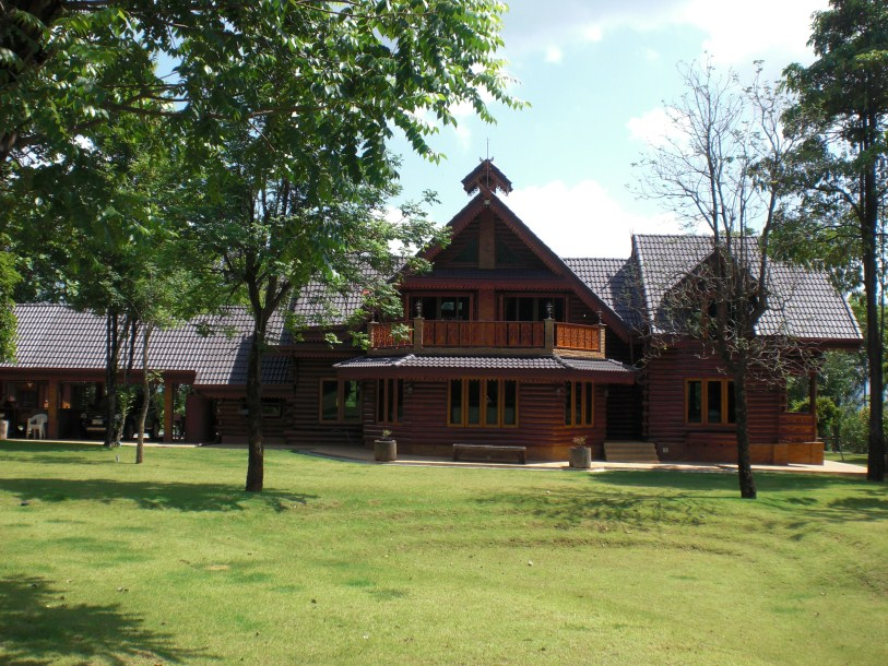 Beautiful Cedar Log House in Khao Yai for sale