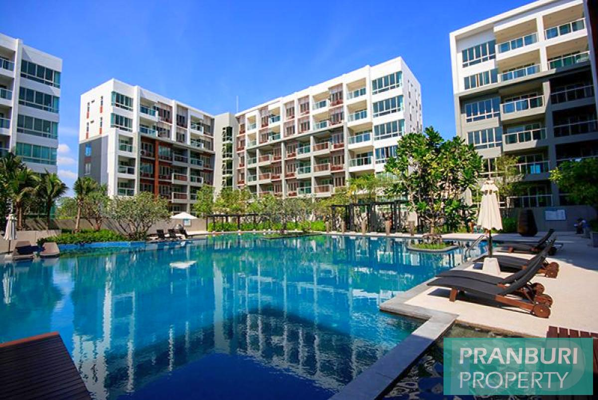 Fully furnished foreign freehold condo