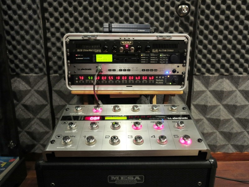 Professional guitar system racked perfect for record,perform