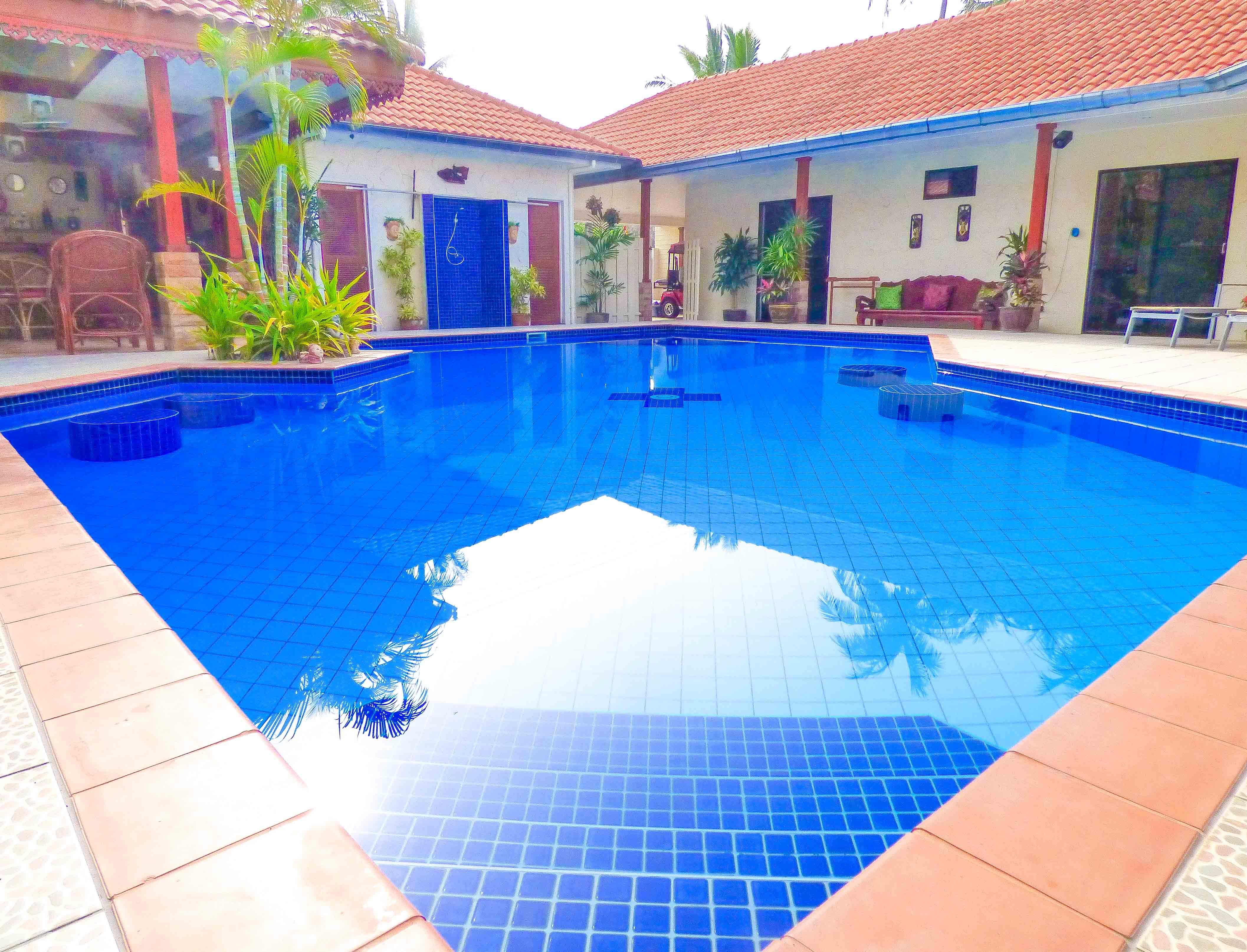 8 Bed Roomed Resort type Pool Villa 1.5 Km From Khao Kalok