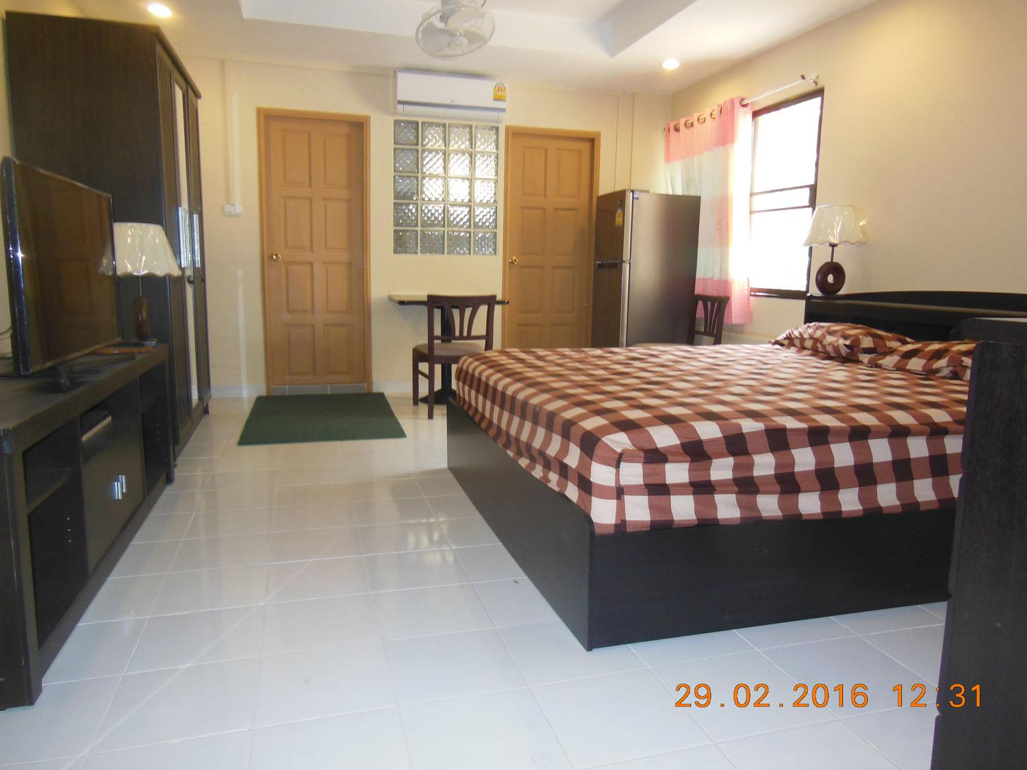"8,000 BHT/M Pattaya Condo For Rent W/Pool 40"" TV"