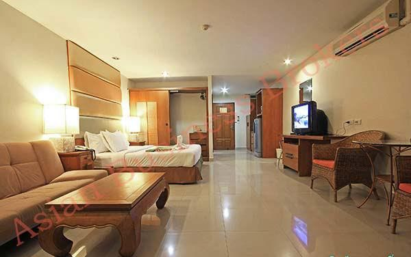1202035 5-Star Hotel on the beach in Pattaya, Thailand