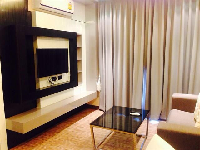 Nice and cheap 1 Bed at lease only 9,000 THB