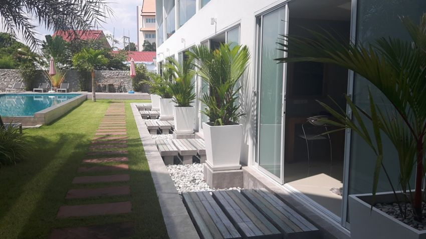 BS2013 Luxury Pattaya Hotel for sale