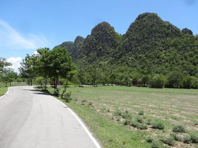 Stunning 2-2-87 Rai Near National Park