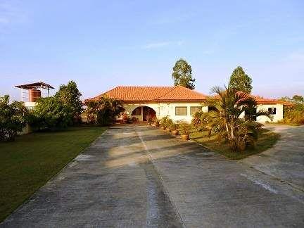 4 Bedroom House In Huai Rat, Buriram In Need Of TLC A Great