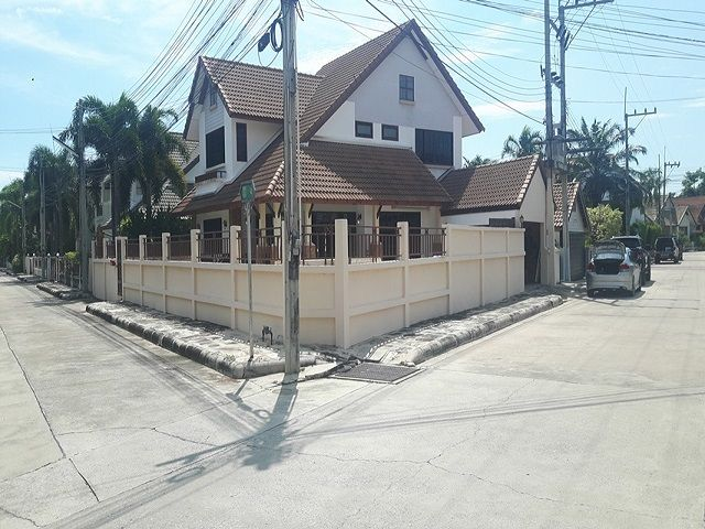 HR1263 East Pattaya House, 4 bed for Rent