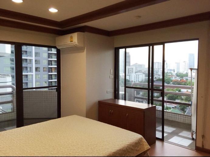 Phrom Phong area 3Br Condo 4 Rent