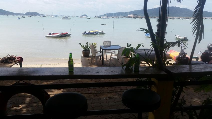 Beachfront appartment on Chalong Bay for rent