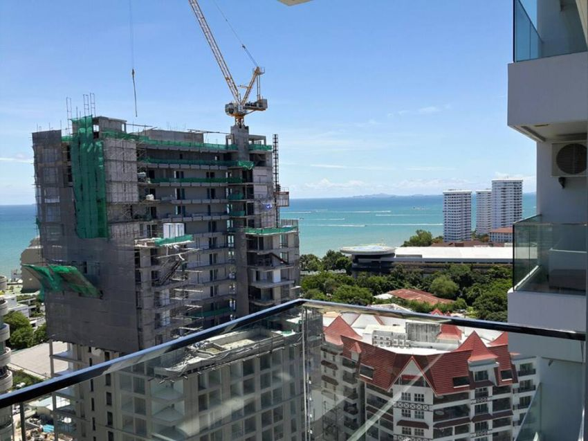 Urgent Sale! Studio at The Cliff Residence, Direct sea view