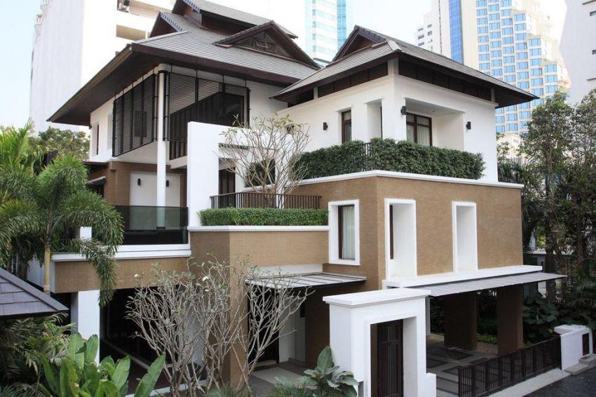 Asok Luxury Private Pool Villa ฿300,000