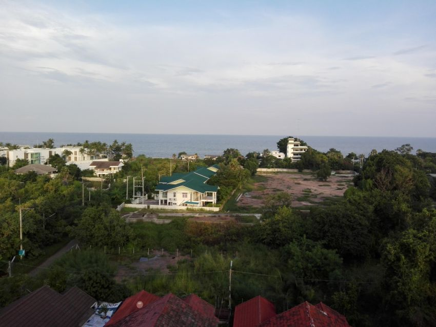 Seaview Fully Furnished 1 BR 1 Bath