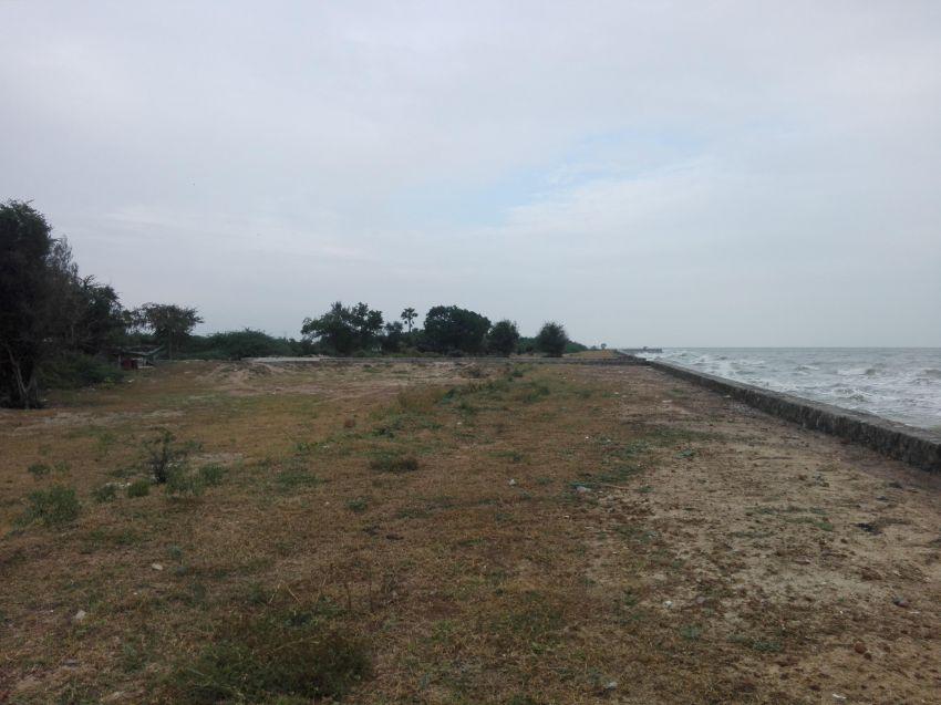 Bargain Priced Oceanfront Seawall 4 Rai