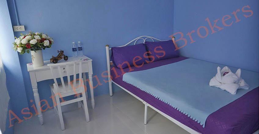 0134001 Hostel and Guesthouse for 60 near Khaosarn Rd BKK
