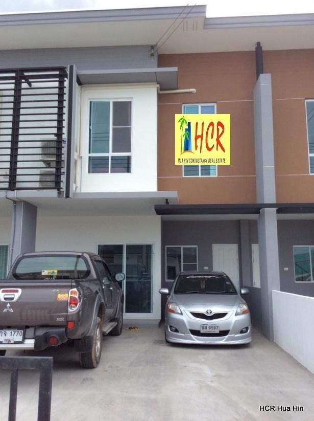 Modern furnished 3 bedroom Town house for Sale or Rent
