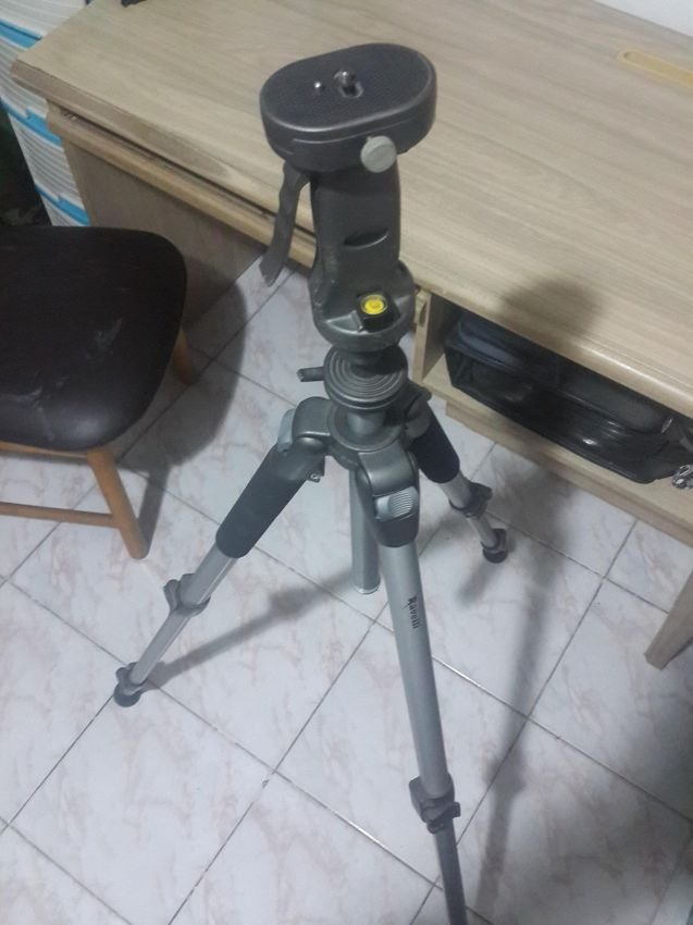 Camera or Camcorder Tripod Ravelli
