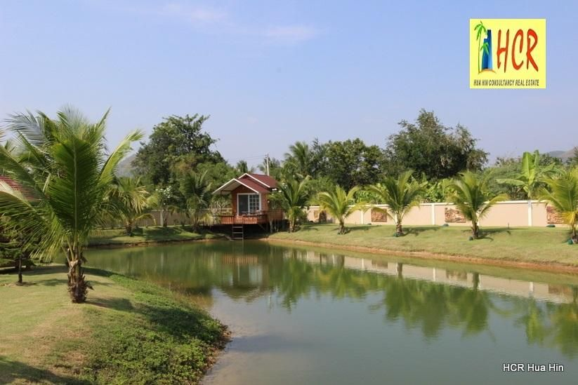 Beautiful Countryside 5 Rai Plot With House And 2 Bungalows