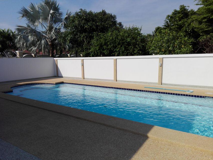 New Quality Built 4 BR 5 Bath Pool Villa