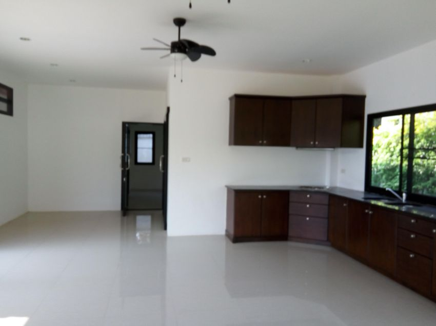 Very large 3 bed unfurnished brand new villa for rent