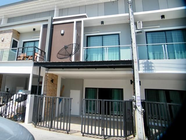 Modern furnished townhouse in Nonjabok