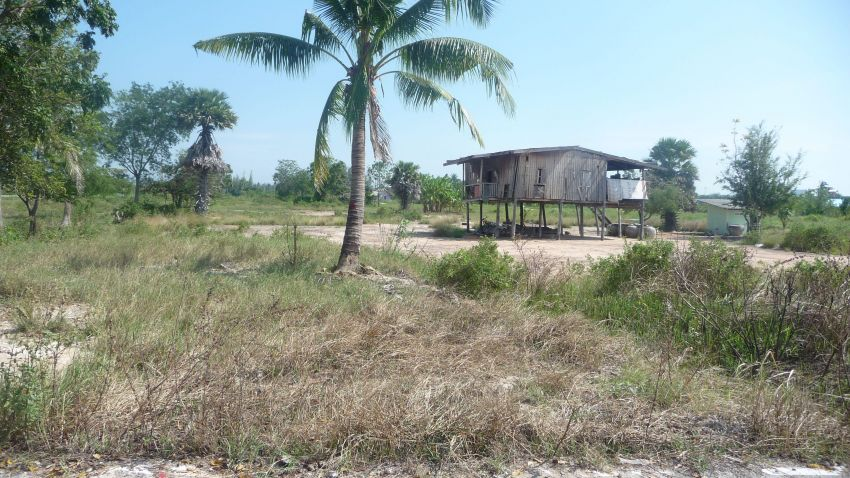 14 Rai Land in Cha Am For Sale