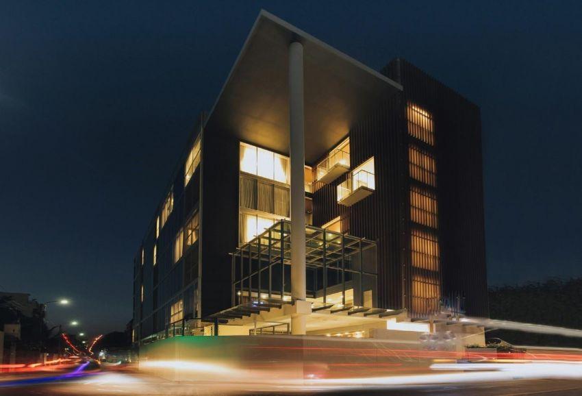 Serviced Apartment Building Sale ฿300 Million
