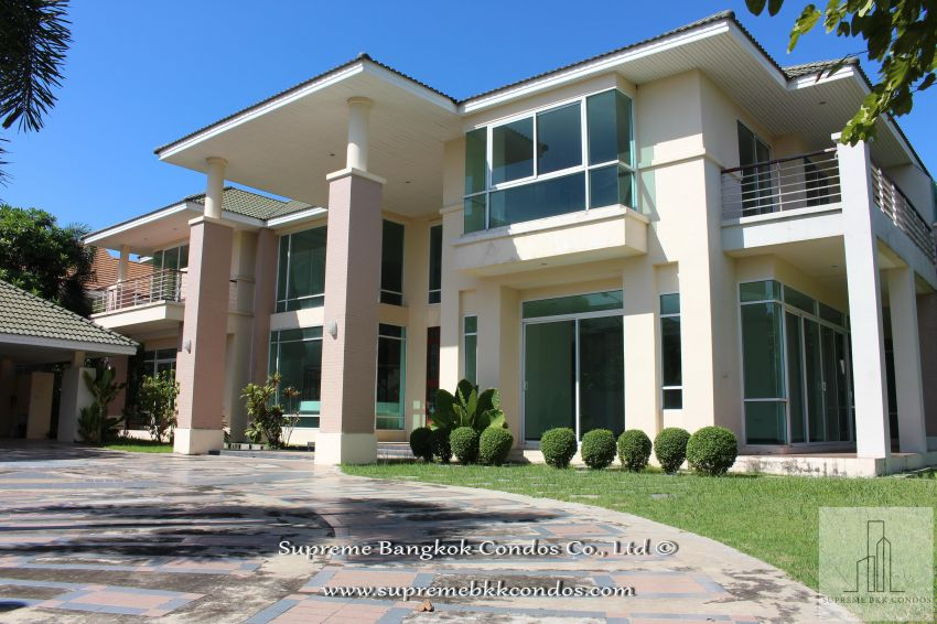 Crystal Villas Private Estate ฿136 Million