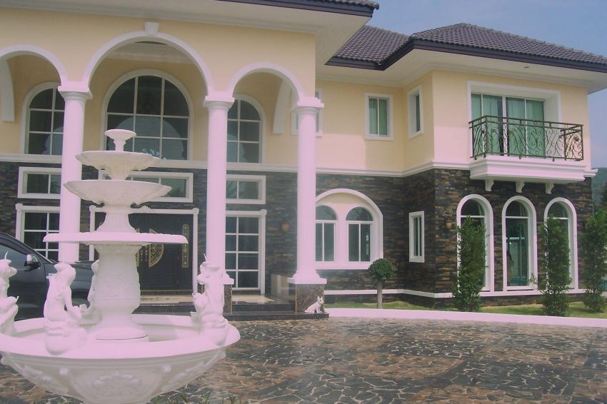 Grand luxurious Mansion For Sale,big reduction in price