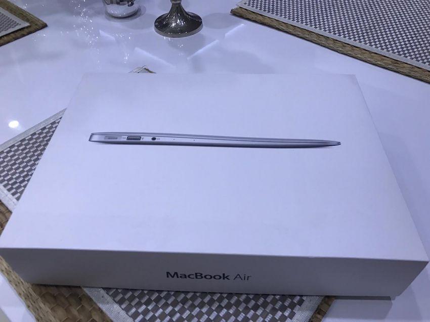 Apple MacBook Air 13-inch