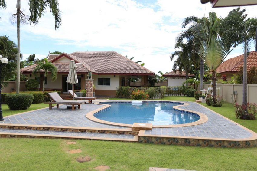 A 4 bed pool villa for sale or rent in Rawai