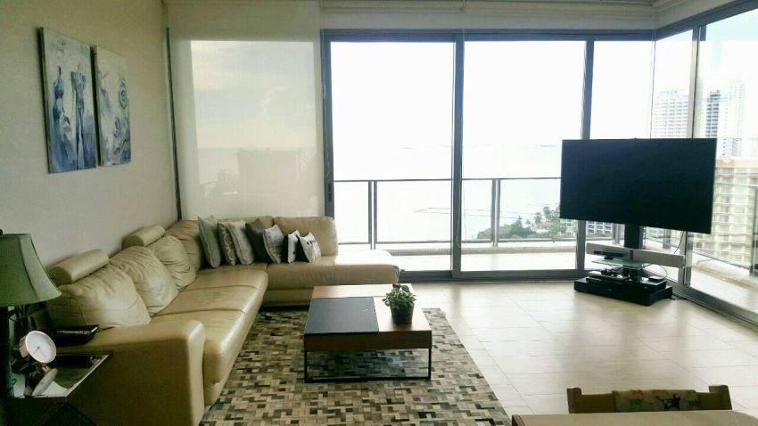 Beachfront condo for sale 3bedrooms