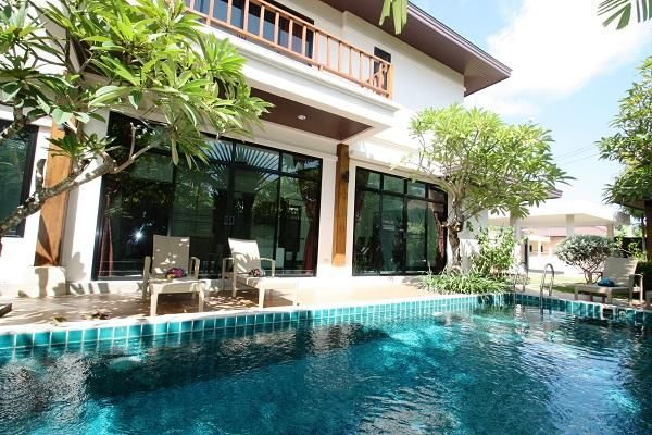 A 3 bed pool villa for rent in Rawai